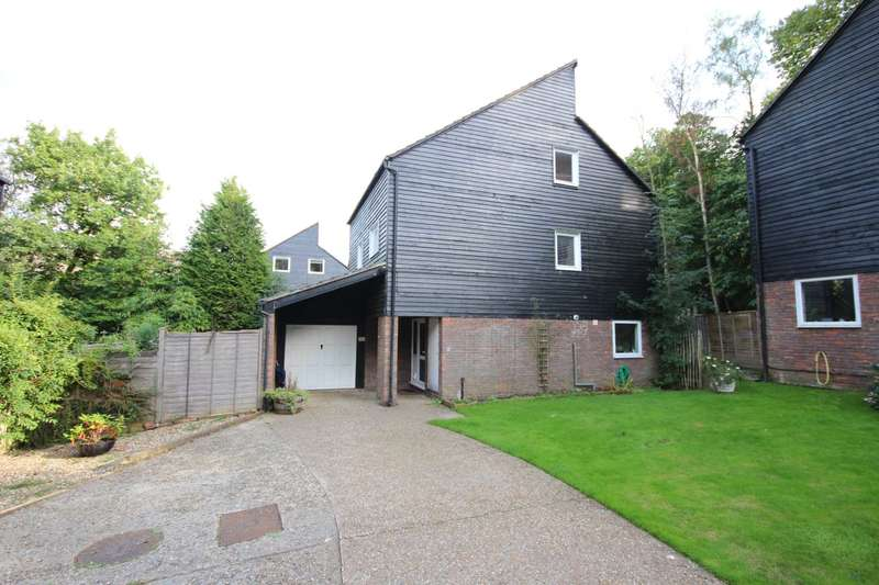 4 Bedrooms Detached House for sale in Northcott, Bracknell