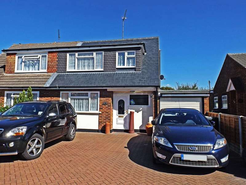 3 Bedrooms Semi Detached House for sale in Ferry road, Hullbridge, Essex, SS5