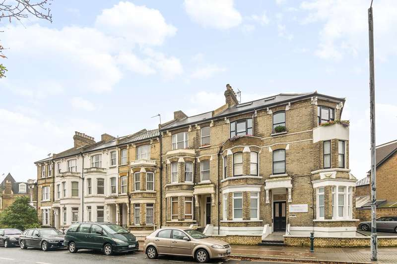 Flat in  St Margarets Road  Twickenham  TW1  Richmond