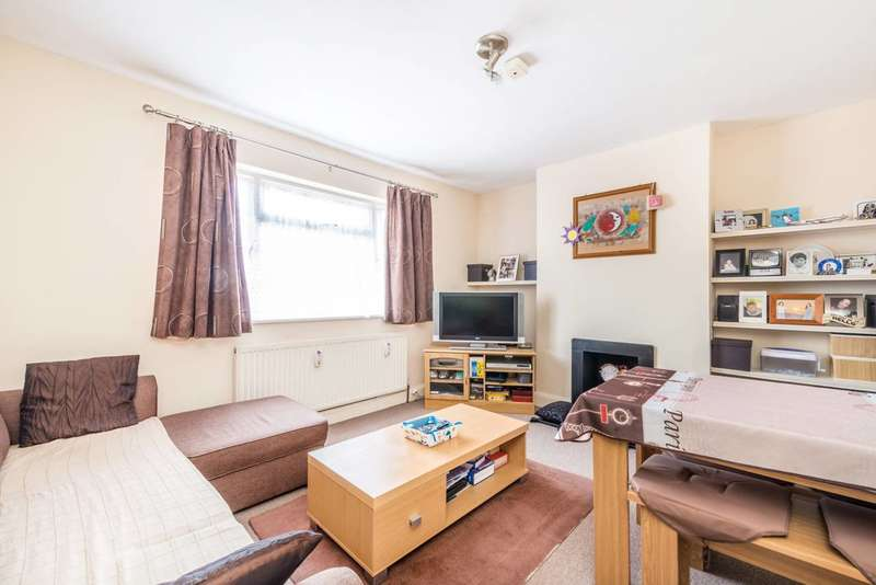 Flat in  Churchview Road  Twickenham  TW2  Richmond