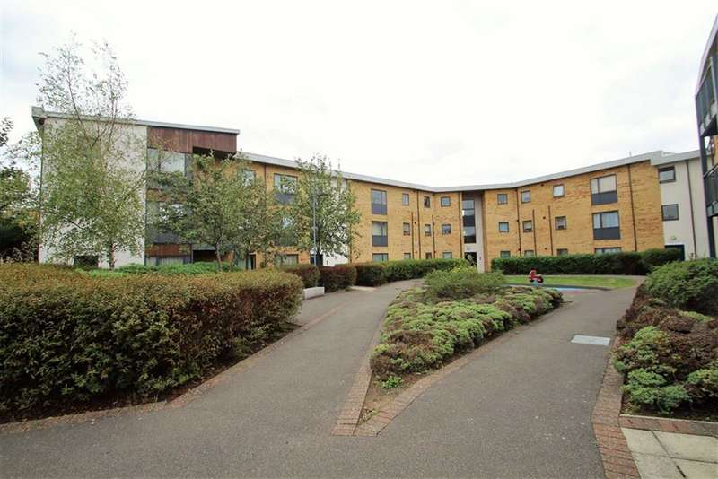 Flat in  Broadmead Road  Northolt  Middlesex  UB5  Richmond