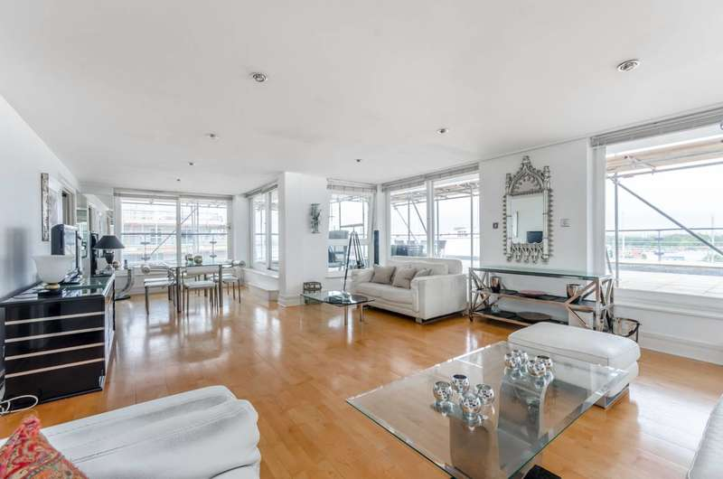 Penthouse in  Smugglers Way  Wandsworth  SW18  Richmond