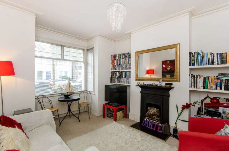 Flat in  Ridley Road  London  SW19  Richmond