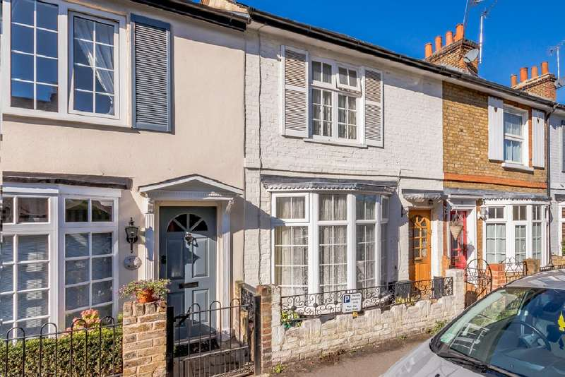 Terraced house in  Park Road  Esher  KT10  Richmond