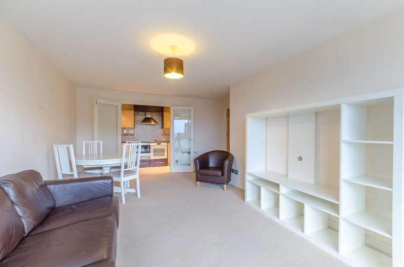 Flat in  Smugglers Way  Wandsworth  SW18  Richmond