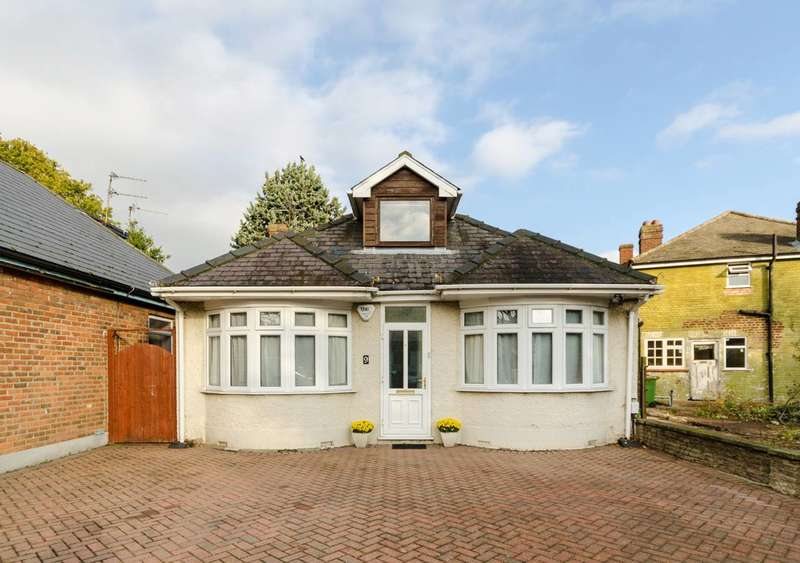 Detached house in  Pool Road  West Molesey  KT8  Richmond