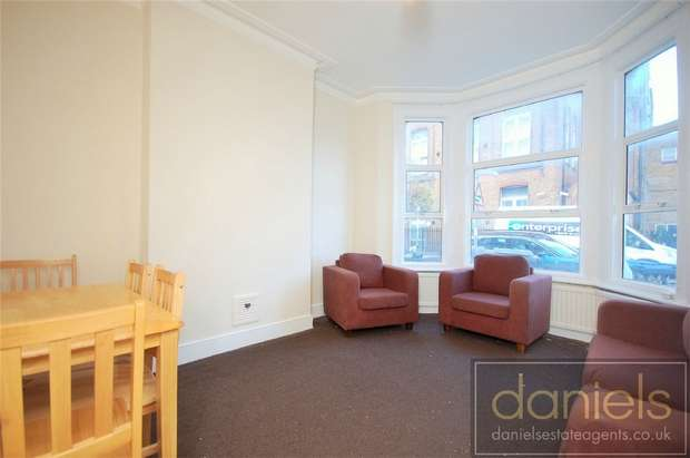 Flat in  Purves Road  London  NW10  Richmond
