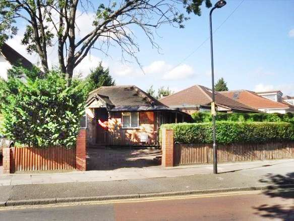 House in  Minterne Avenue  Southall  UB2  Richmond