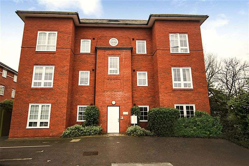 House in  Sutherland Grove  London  SW18  Richmond