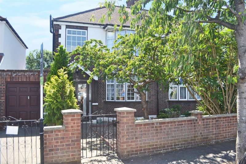 House in  Parkwood Road  Isleworth  TW7  Richmond