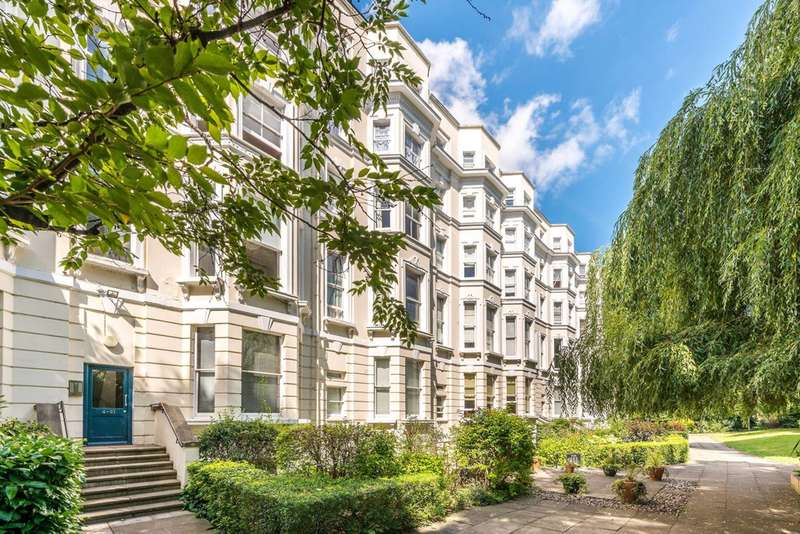 Flat in  Colville Gardens  Notting Hill  W11  Richmond