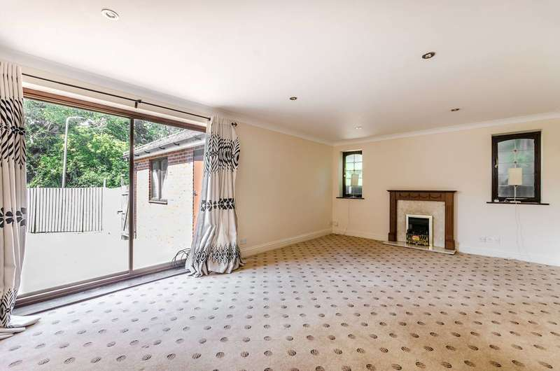 Detached house in  Brookfield Crescent  Harrow  HA3  Richmond