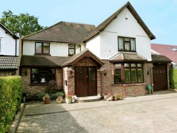 5 Bedrooms Detached House for sale in Bellfield Avenue, Harrow Weald