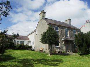 4 Bedrooms Detached House for sale in Marianglas, Benllech, Anglesey, LL73