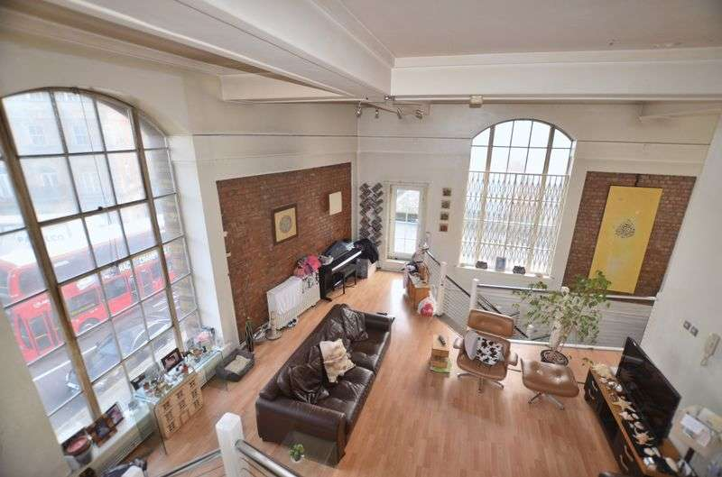 3 Bedrooms Flat for sale in Dalston Lane, Hackney E8