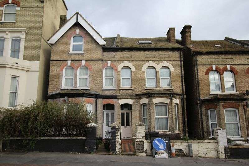 7 Bedrooms Semi Detached House for sale in South Norwood Hill, London SE25