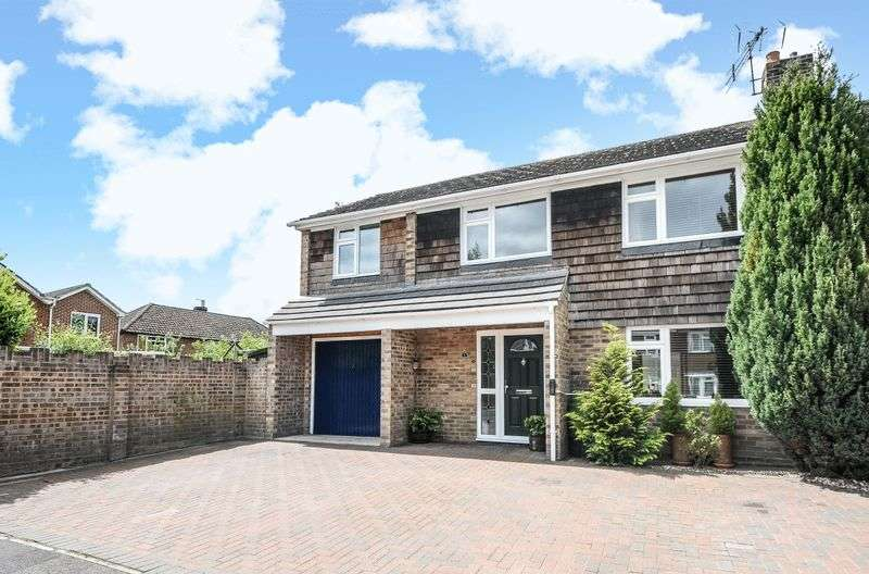 4 Bedrooms Semi Detached House for sale in Giles Road, Tadley