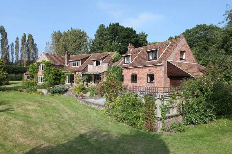 4 Bedrooms Property for sale in Haddiscoe, Norwich