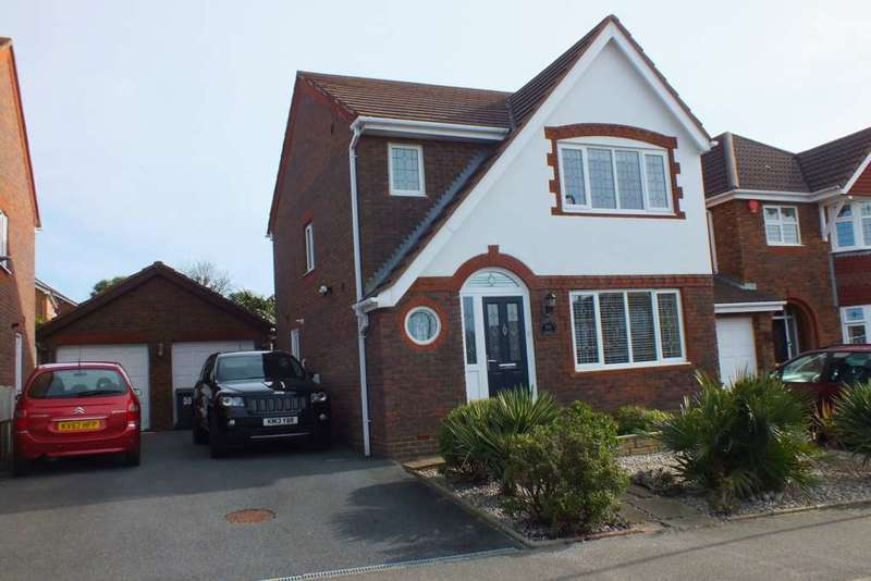 3 Bedrooms Detached House for sale in Tillingham Way, Stone Cross
