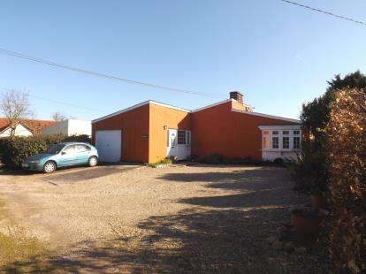 3 Bedrooms Bungalow for sale in Boxford, Sudbury, Suffolk