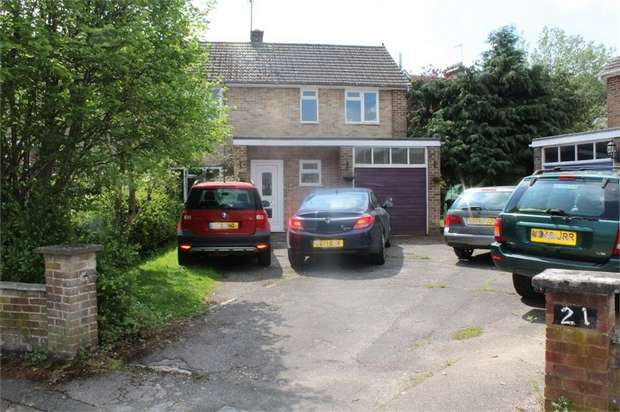 3 Bedrooms Semi Detached House for sale in Mount Close, Newbury, Berkshire