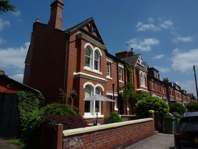 3 Bedrooms Semi Detached House for sale in Bishop Street, Cherry Orchard