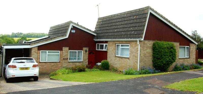 4 Bedrooms Detached Bungalow for sale in This is no ordinary bungalow. It is a lovely home with a lot - space, location and a big garden!