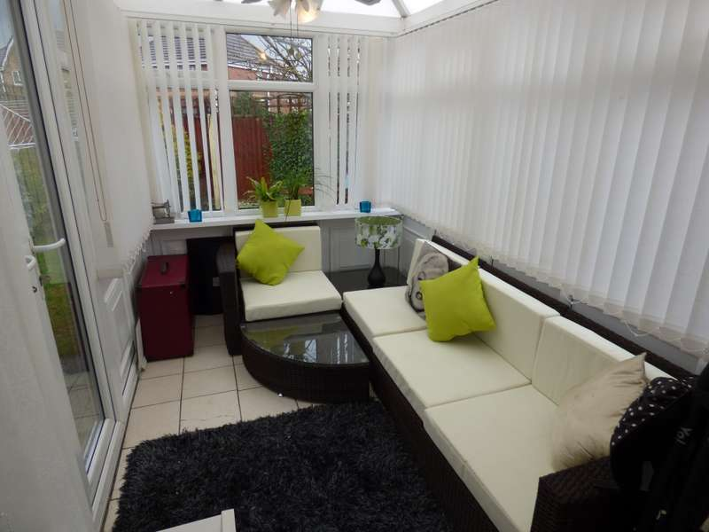 3 Bedrooms Semi Detached House for sale in Riviera drive, Liverpool, Merseyside, L11