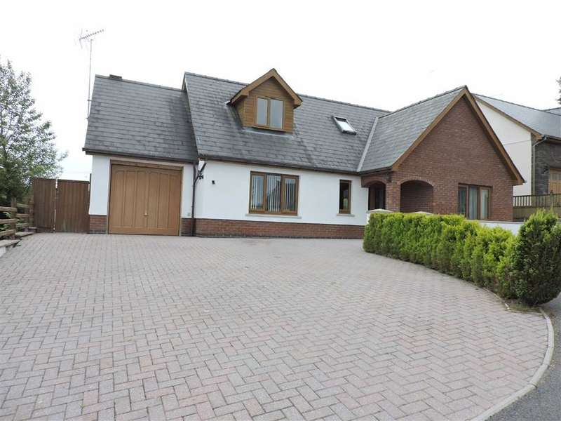 3 Bedrooms Property for sale in Green Meadow, New Inn, Pencader