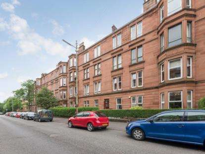 3 Bedrooms Flat for sale in Onslow Drive, Glasgow, Lanarkshire