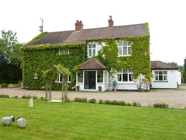 6 Bedrooms Detached House for sale in CRESS COTTAGE, MARSH LANE, HEALING, GRIMSBY