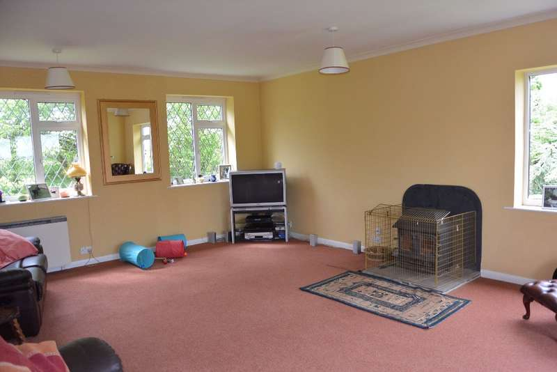 4 Bedrooms Detached House for sale in Northcott