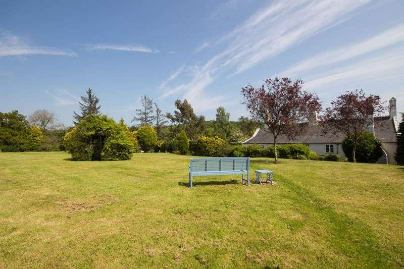 5 Bedrooms Detached House for sale in Trusham, Newton Abbot