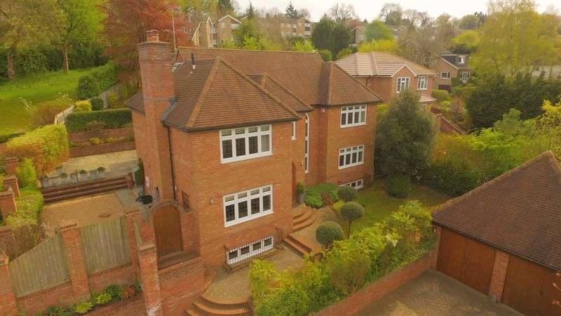 6 Bedrooms Detached House for sale in Nags Head Lane, Great Missenden