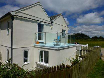 2 Bedrooms End Of Terrace House for sale in Turnpike Road, Marazion, Cornwall