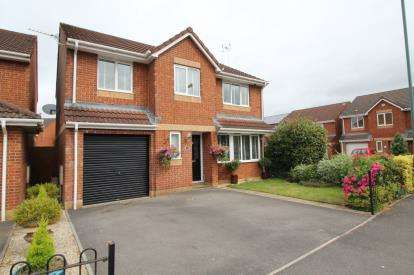 5 Bedrooms Detached House for sale in Guest Avenue, Emersons Green, Bristol, Gloucestershire