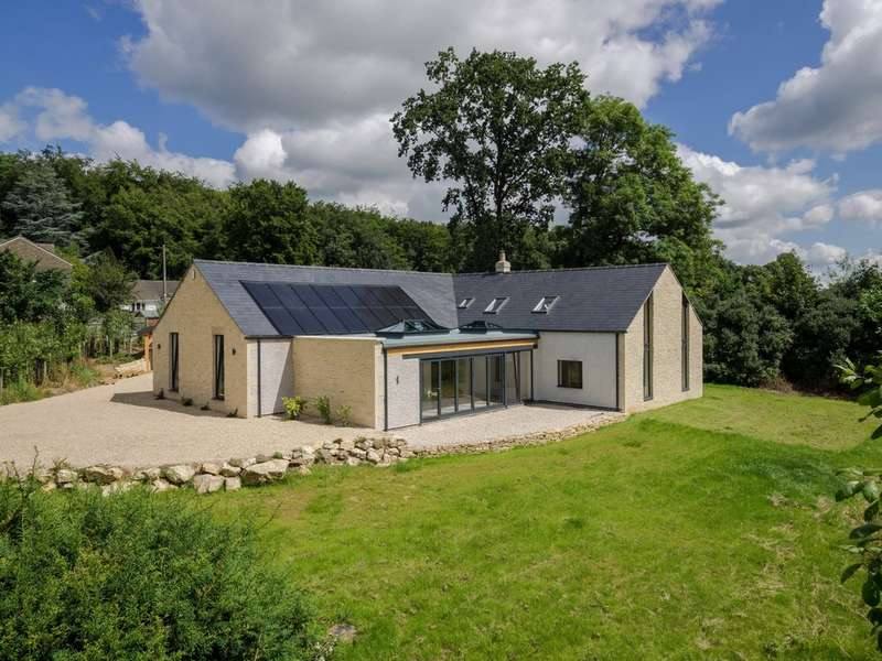 4 Bedrooms Detached House for sale in Frithwood, Brownshill, Stroud