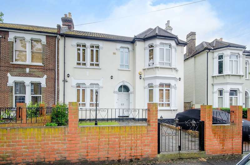 6 Bedrooms House for sale in Kempshott Road, Streatham Common, SW16
