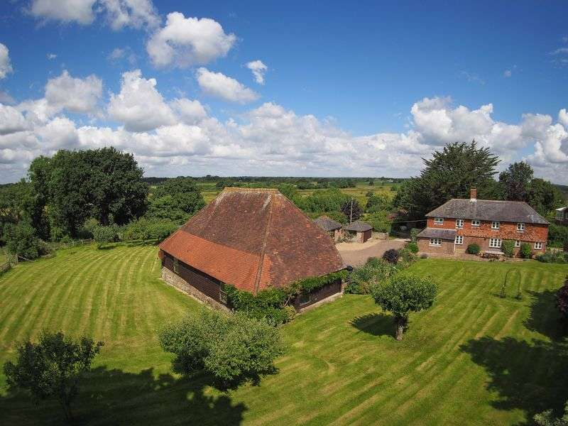 4 Bedrooms Detached House for sale in Stone Pit Lane, Henfield