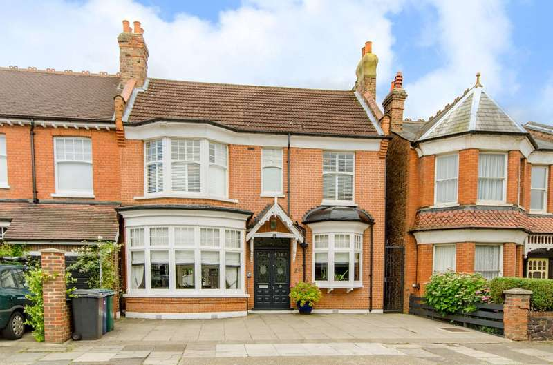 3 Bedrooms House for sale in Dukes Avenue, Finchley Central, N3