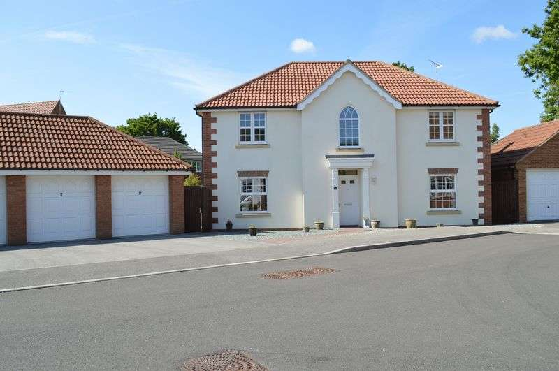 4 Bedrooms Detached House for sale in Pavillion Gardens, NORTH HYKEHAM