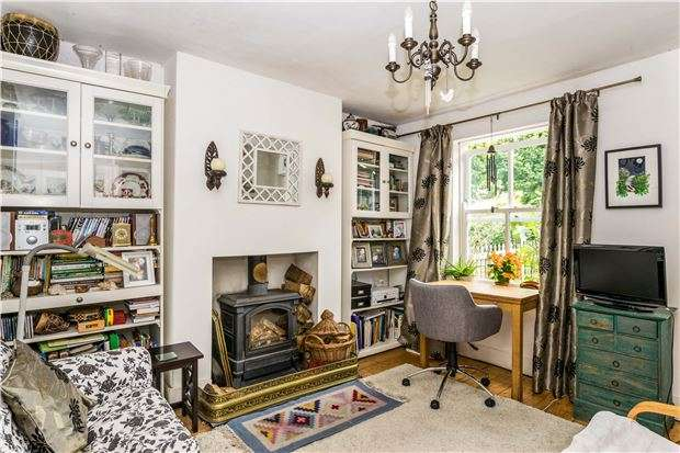2 Bedrooms Terraced House for sale in Hills Cottages, Bridgwater Road, Bristol, BS13 7AW