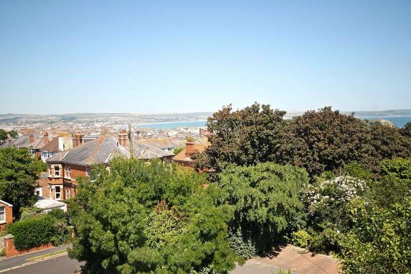 2 Bedrooms Flat for sale in Bincleaves Road, Weymouth, DT4
