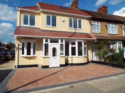 6 Bedrooms End Of Terrace House for sale in Barkingside, Essex