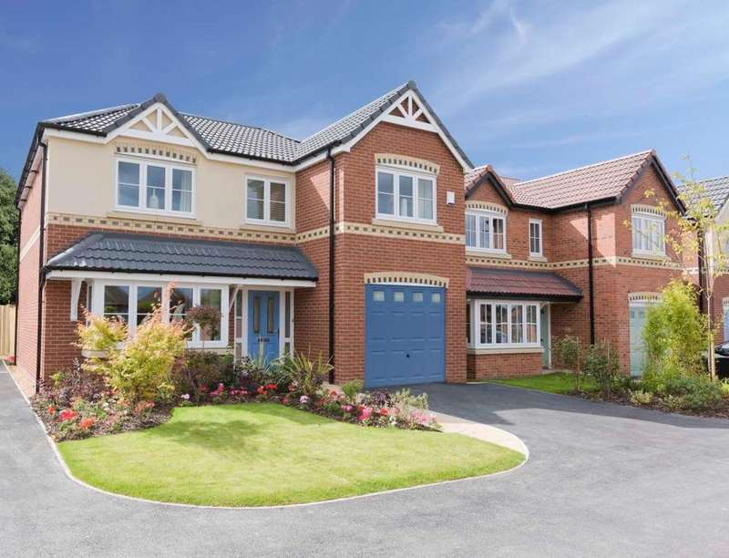 4 Bedrooms Detached House for sale in Scrooby Road, Harworth, Doncaster, DN11