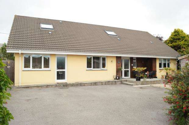 5 Bedrooms Detached House for sale in Trethiggey Crescent, Quintrell Downs, Newquay, Cornwall