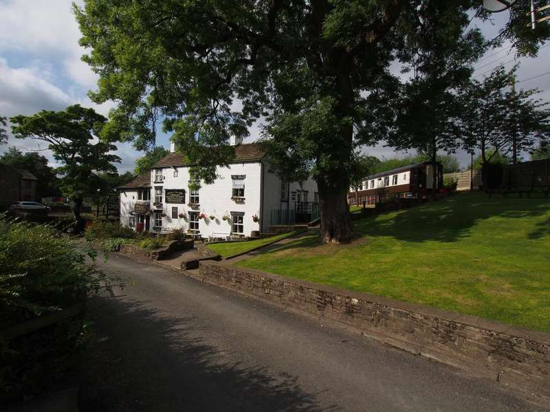 5 Bedrooms Commercial Property for sale in Rowarth, High Peak, Derbyshire, SK22 1EB