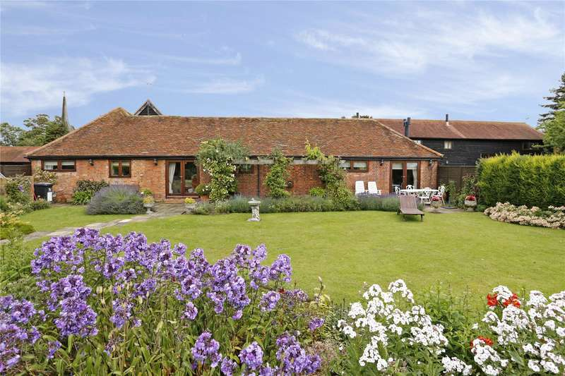 3 Bedrooms Barn Conversion Character Property for sale in Upper Manor Farm, Ilmer, Princes Risborough, Buckinghamshire, HP27