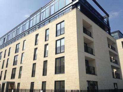 2 Bedrooms Flat for sale in Leopold House