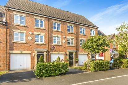 3 Bedrooms Terraced House for sale in Lawnhurst Avenue, Manchester, Greater Manchester